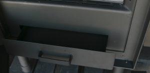 Kominki nowoczesne - szuflada na popiół
